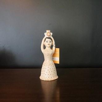 Boneca com pote